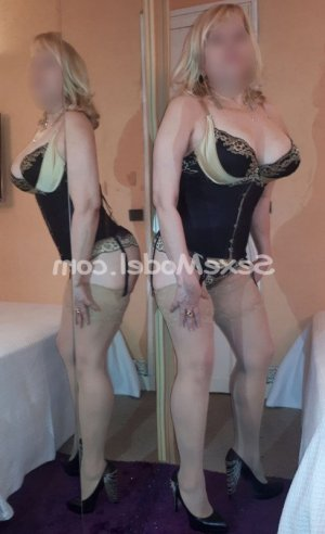 Kattin escort girl massage tantrique